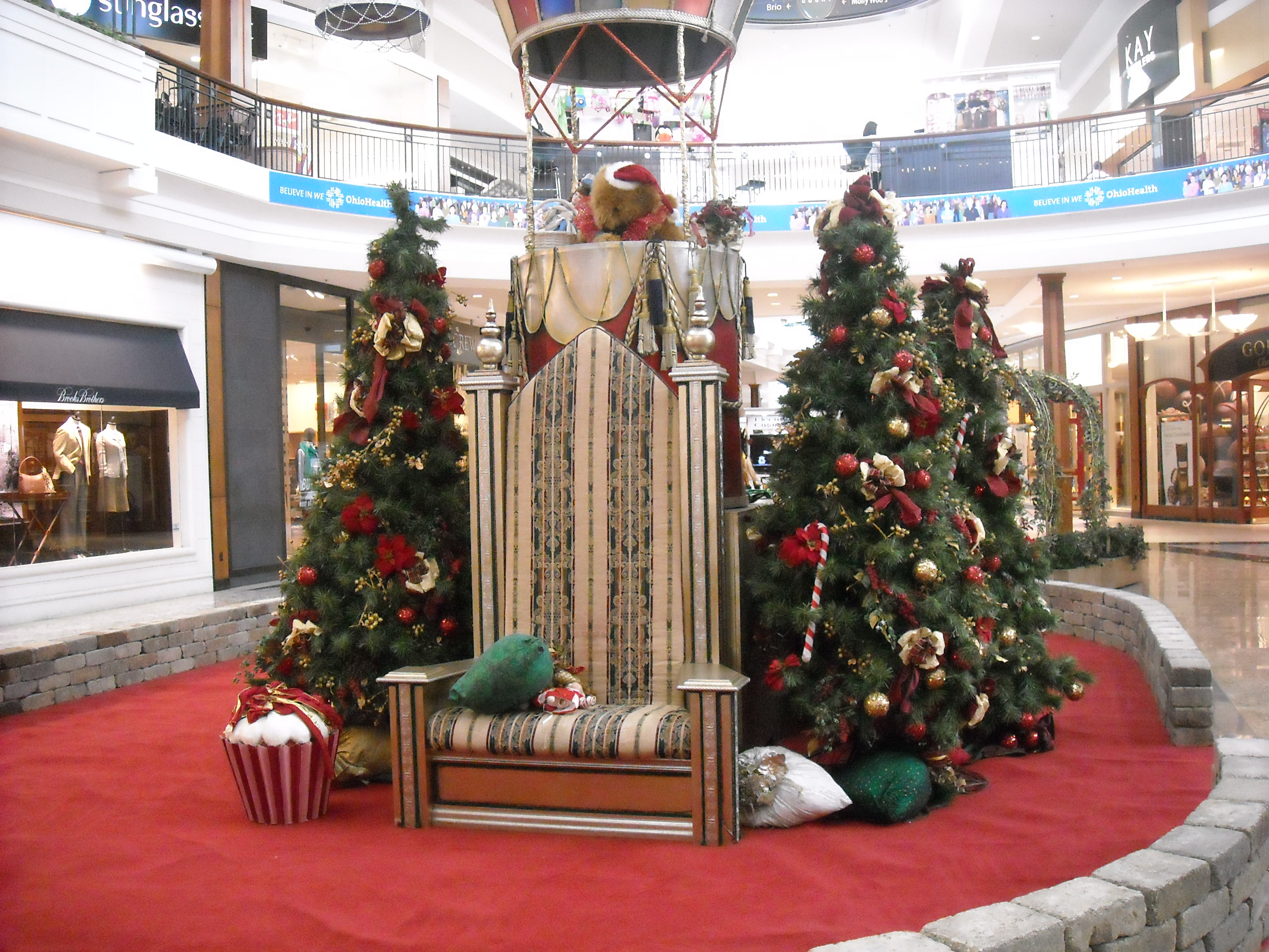 Christmas at Polaris Fashion Place